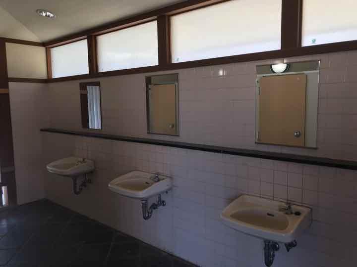田代運動公園でキャンプトイレ2