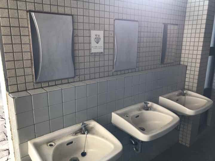 田代運動公園でキャンプトイレ4