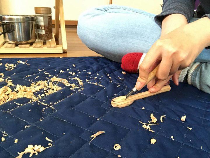 スプーン作り 彫刻刀 削る