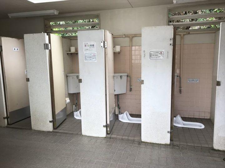 観音崎公園 第2駐車場 トイレ中