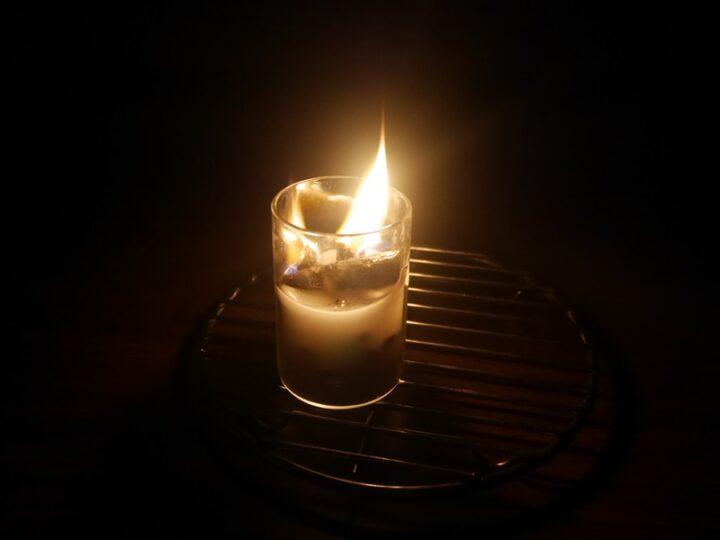 直火OKの耐熱グラスで作る焚き火ろうそく 灯してみた