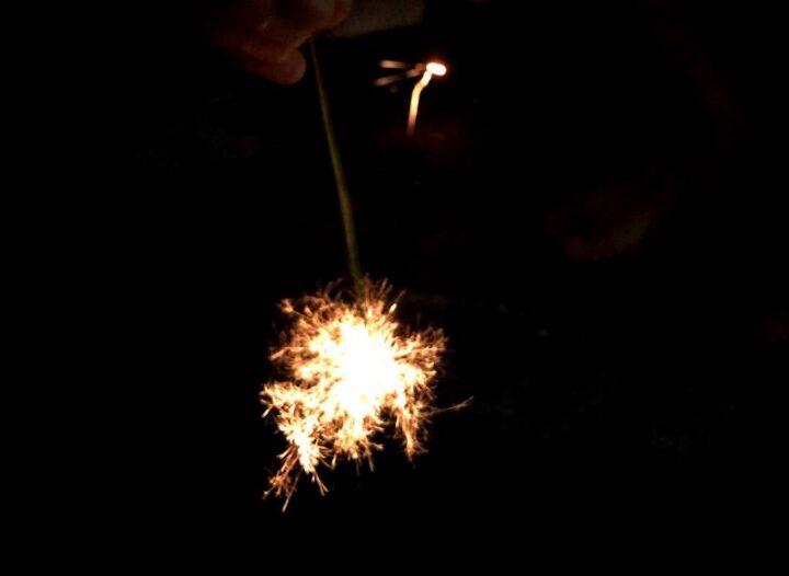 お家でお祭りごっこ 線香花火