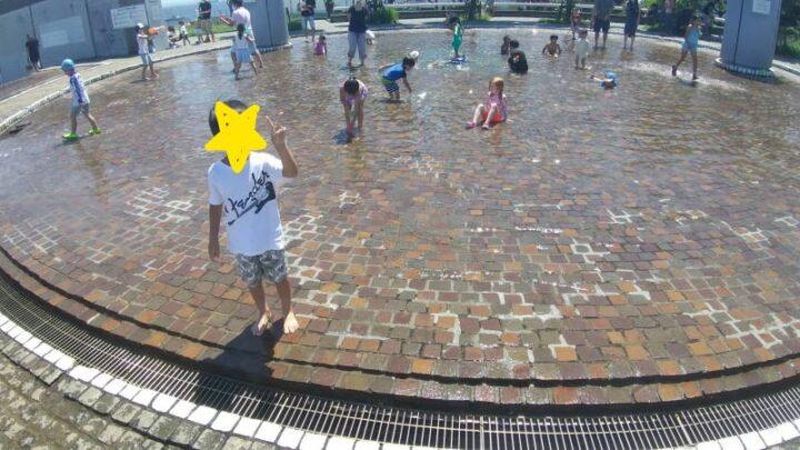 うみかぜ公園 じゃぶじゃぶ池広場