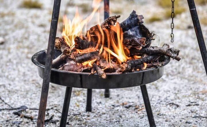 初めてのキャンプ道具 焚き火台
