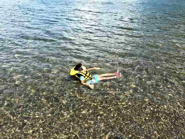 いこいの森キャンプ場 本栖湖で泳ぐ