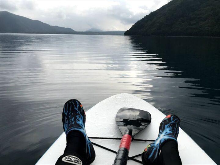 本栖湖でサップ 朝