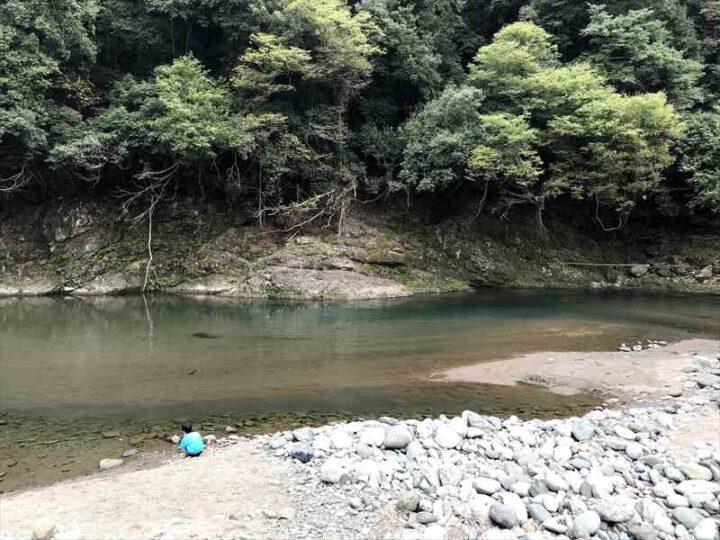 新戸キャンプ場 川