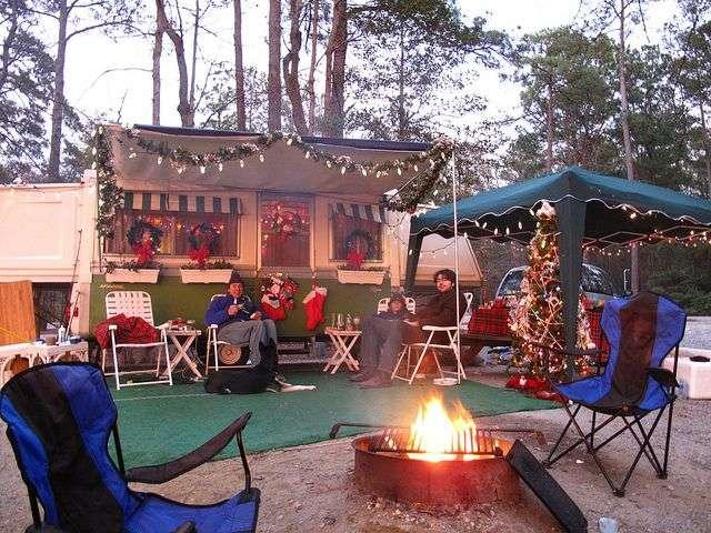 クリスマスキャンプ トレーラー