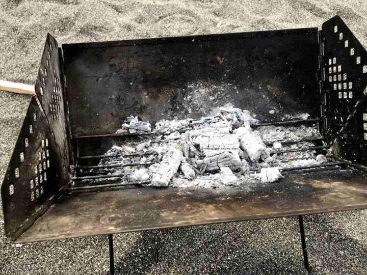 キャンプでの焚き火の楽しみ方 後片付け