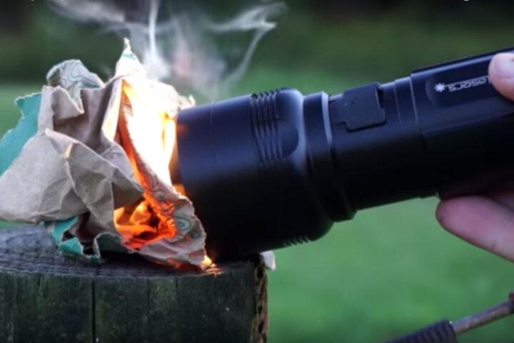 世界の面白いキャ世界の面白いキャンプ道具 紙を燃やす懐中電灯ンプ道具 火が点く懐中電灯