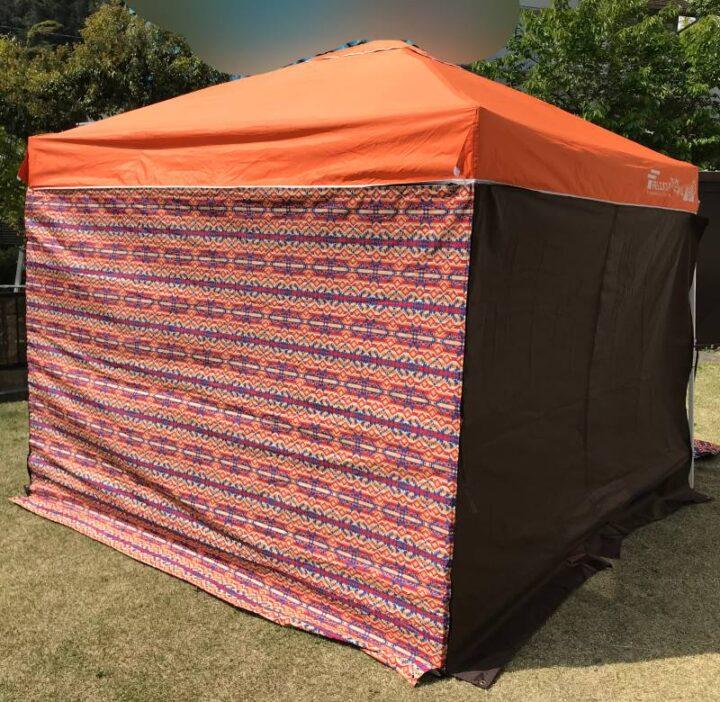 庭キャンプの目隠し ワンタッチタープテント 外から見る