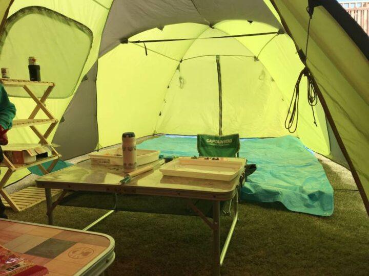 庭キャンプの目隠し テントのフライシート