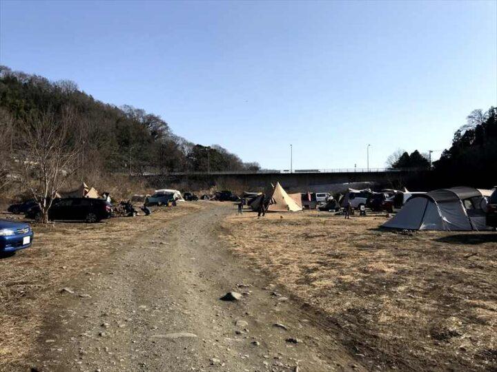 角田大橋 キャンプ 河川敷の様子