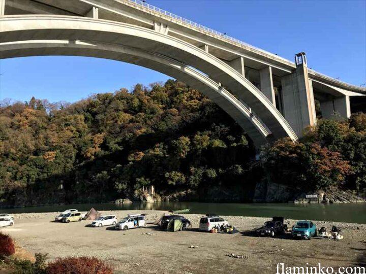 相模川河川敷 小倉橋 キャンプ