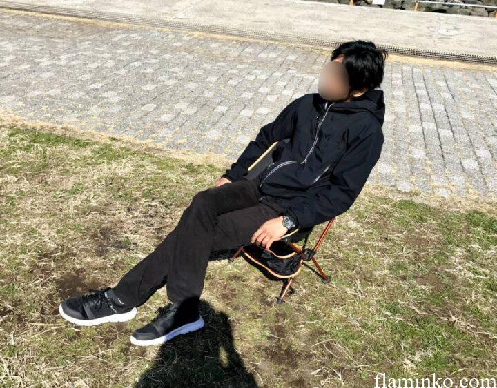 ヘリノックス 類似品 Linkax 男が座る2