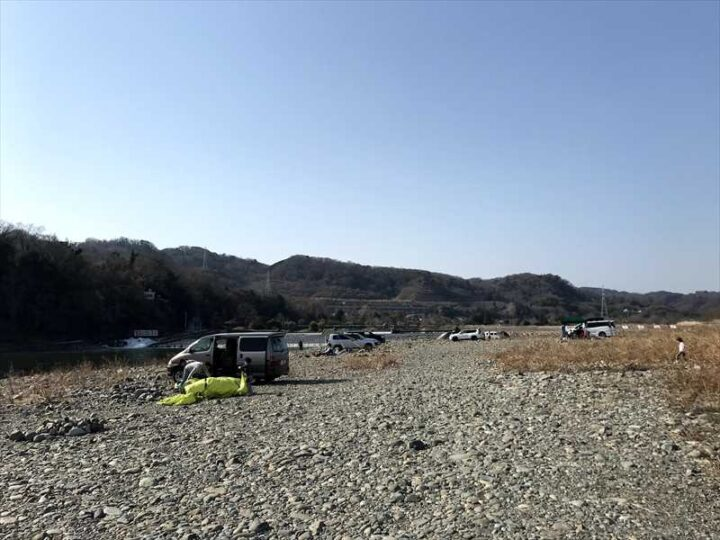 高田橋多目的広場 キャンプ 橋の先