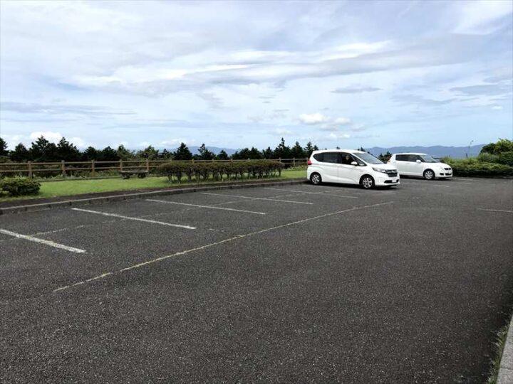だるま山高原キャンプ場 受付前駐車場