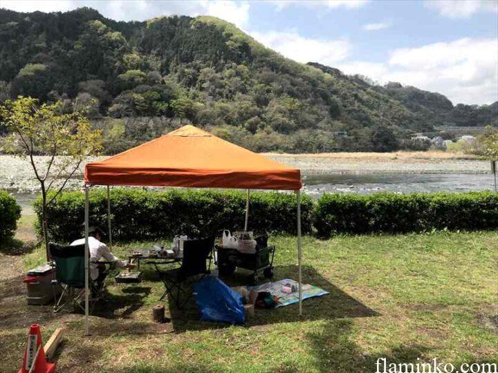 上大島キャンプ場 設営