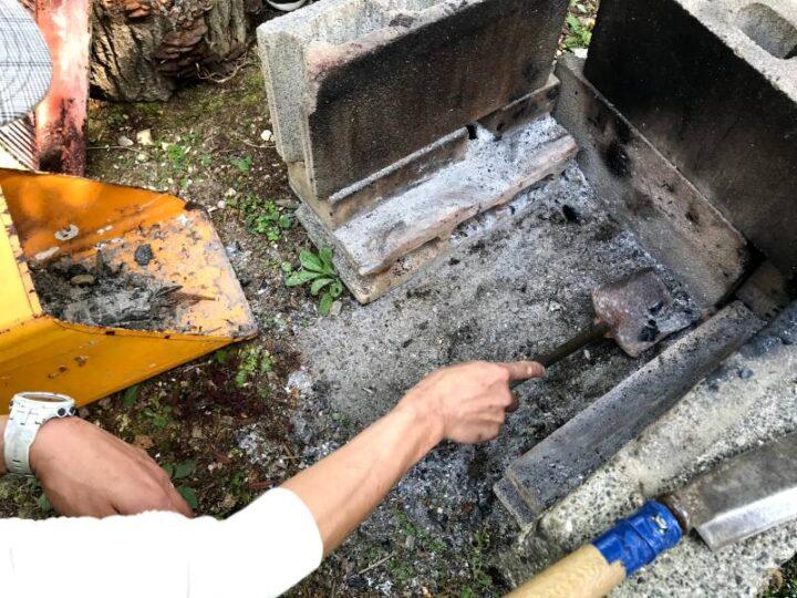 田浦梅の里 キャンプ 焚き火の掃除