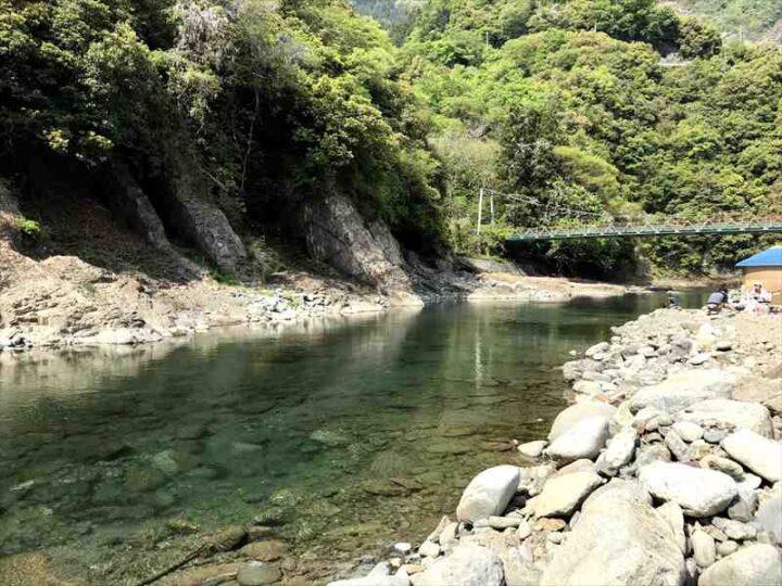 青野原野呂ロッジキャンプ場 道志川