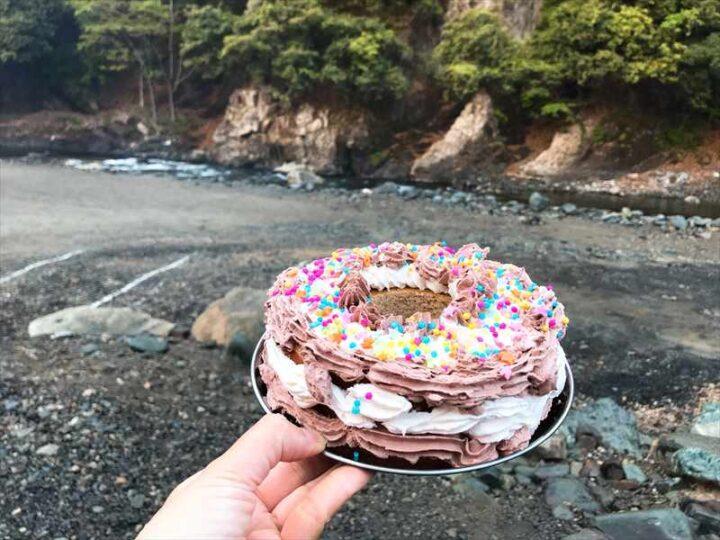 青野原野呂ロッジキャンプ場 結婚記念日ケーキ