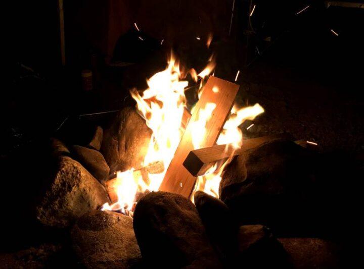 青野原野呂ロッジキャンプ場 焚き火
