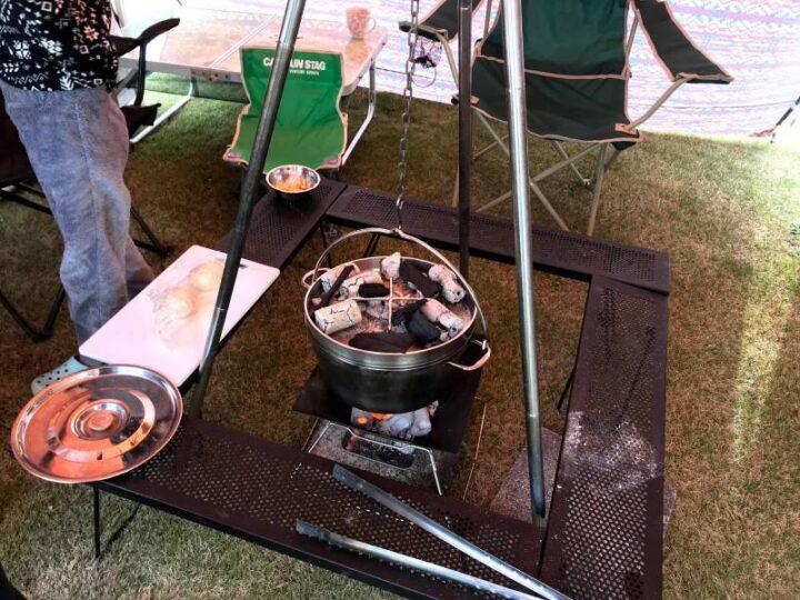 キャンプ バーベキュー以外の料理 ピザ ダッチオーブン