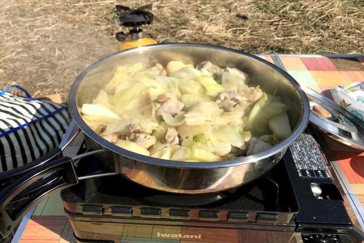 キャンプ バキャンプ バーベキュー以外の料理 ダッカルビ 炒めるーベキュー以外の料理 メスティン ダッカルビ 炒める