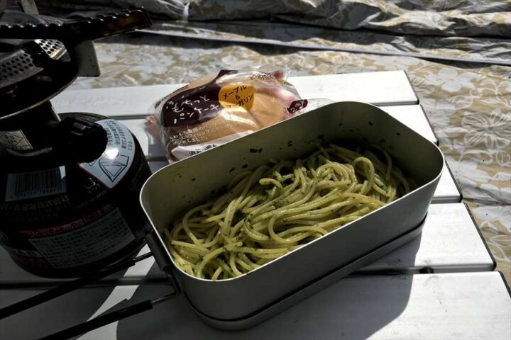 キャンプ バーベキュー以外の料理 メスティン 水漬けパスタ